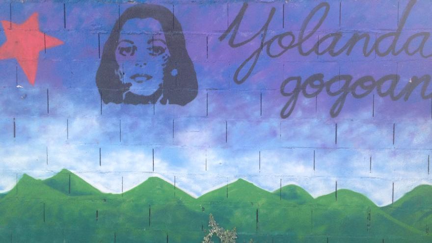 Mural en recuerdo de Yolanda González pintado en el barrio bilbaíno de la Ribera de Deusto.