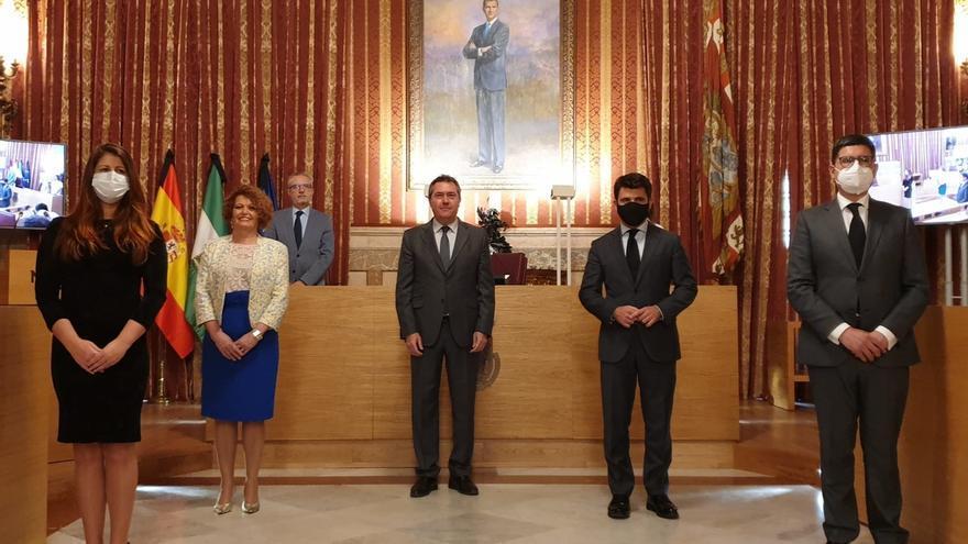 """Espadas firma un acuerdo con PP, Adelante y Cs para un """"escudo social"""" con medidas por 22 millones en 2020"""