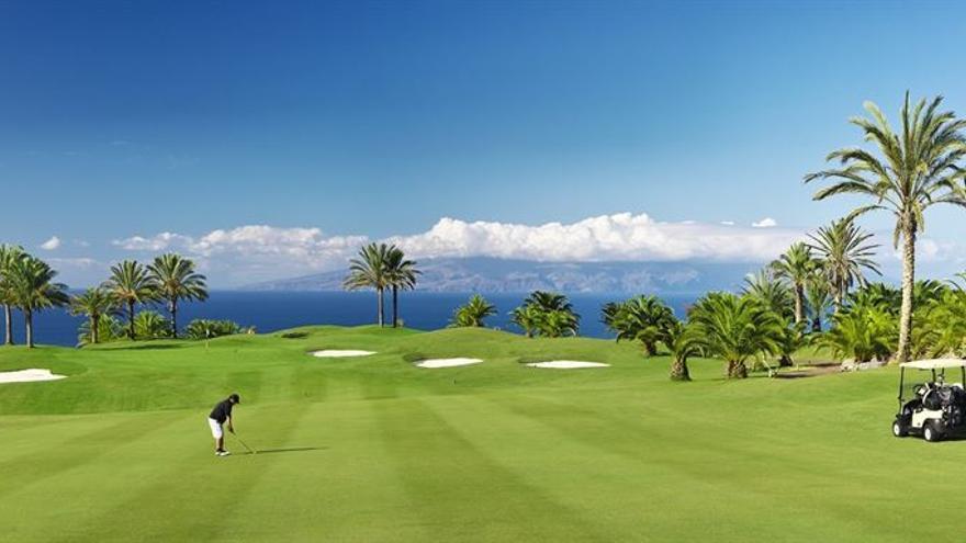 Uno de los campos de golf de los que dispone Tenerife.
