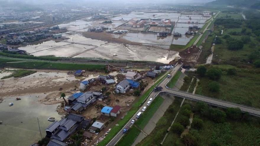 Autoridades de Japón buscan a unas 130 personas tras las intensas lluvias