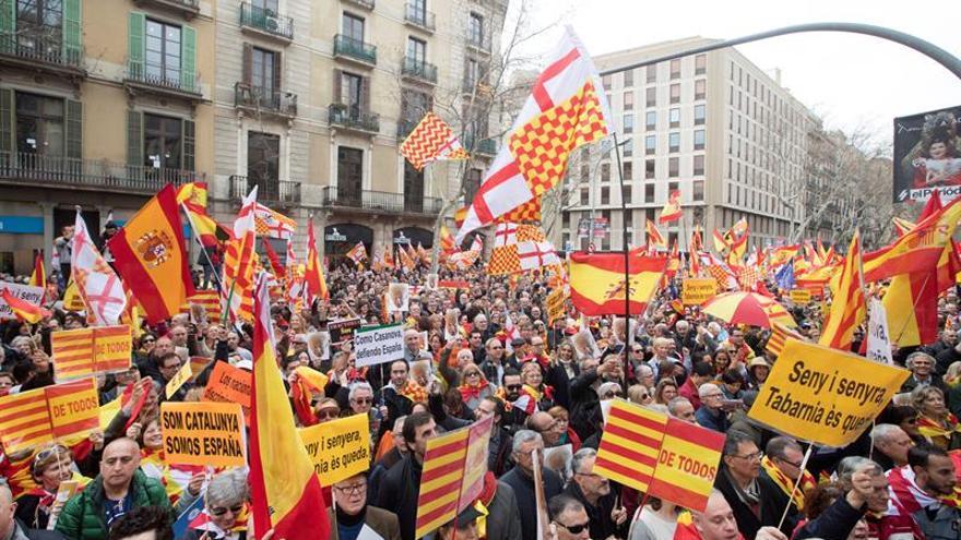 """Miles de """"tabarneses"""" se manifiestan por primera vez en Barcelona"""