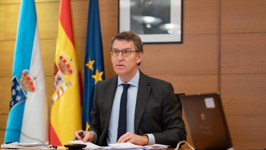 El presidente de la Xunta durante una videoconferencia con Sánchez