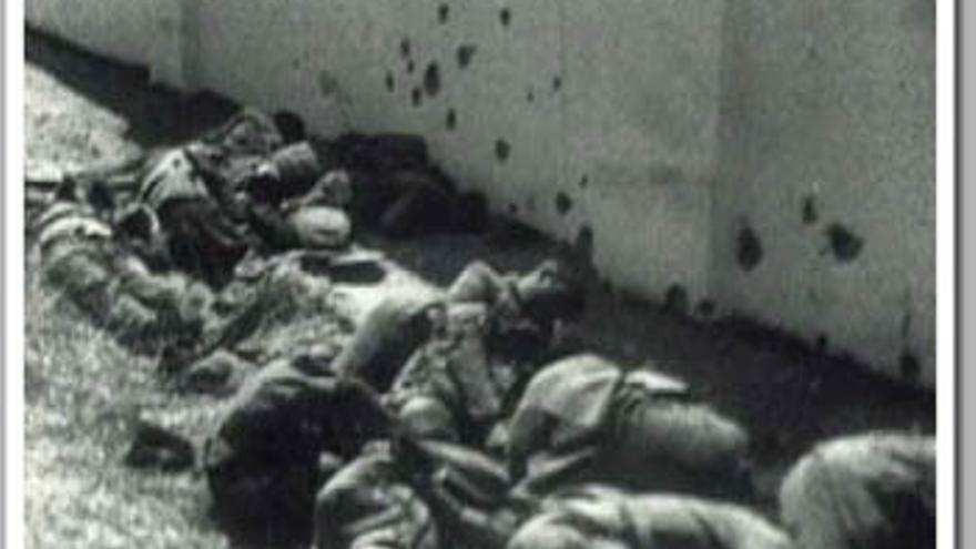 Imágenes de fusilamientos en el cementerio de Badajoz
