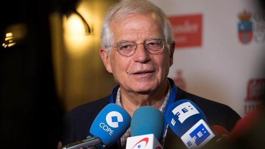 """Borrell afirma que en Cataluña se ha producido """"un verdadero golpe de Estado"""""""
