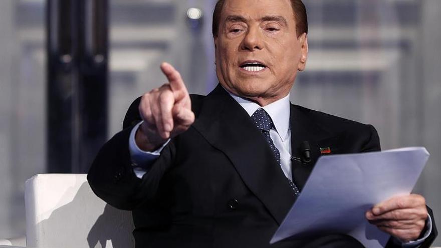 """Berlusconi propone un """"gran plan de privatizaciones"""" para Italia"""