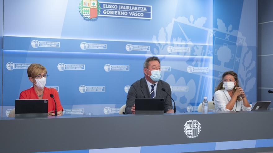 El portavoz del Gobierno Vasco, Bingen Zupiria, en una comparecencia celebrada este martes ante los medios de comunicación en Vitoria