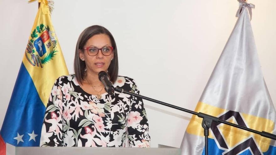 Fotografía cedida por el Ministerio de Comunicación e Información (MinCI) de la presidenta del Consejo Nacional Electoral, CNE, Indira Alfonzo, mientras ofrece declaraciones en Caracas (Venezuela).