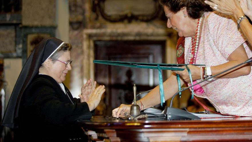 Sor Aurora, distinguida por la alcaldesa Rita Barberá como Hija Adoptiva de la ciudad de Valencia