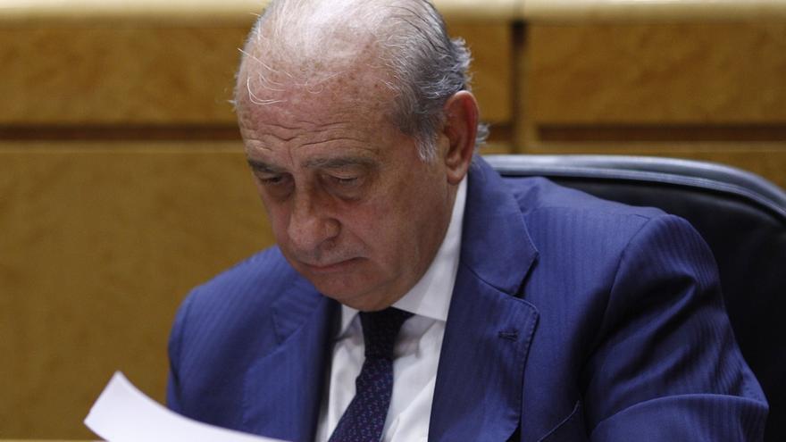 """Fernández Díaz celebra que el juez haya puesto """"en su sitio"""" a la Generalitat al archivar la denuncia de los Mossos"""