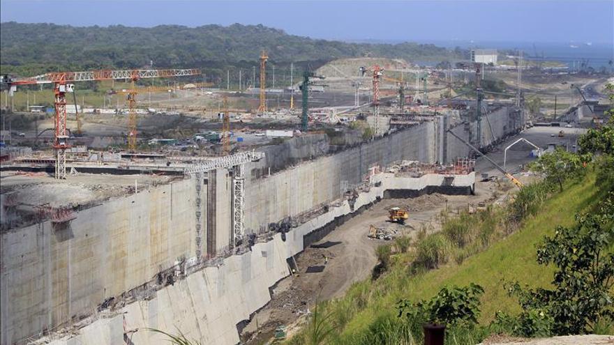 Las negociaciones para relanzar la ampliación del Canal de Panamá siguen en silencio