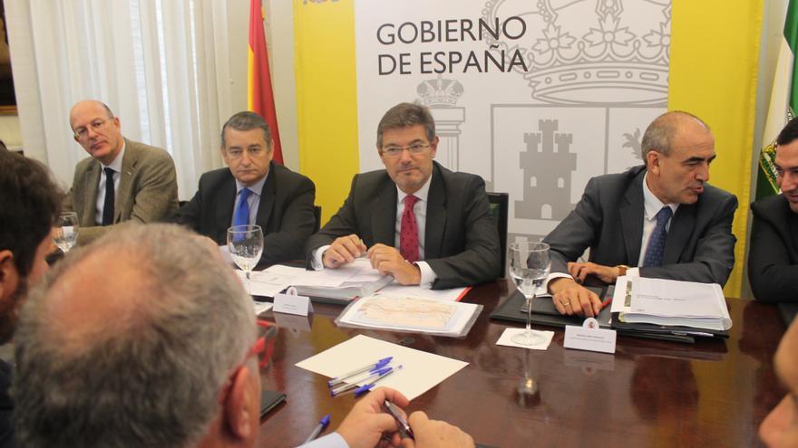 Rafael Catalá en la reunión mantenida en Granada sobre la llegada del AVE