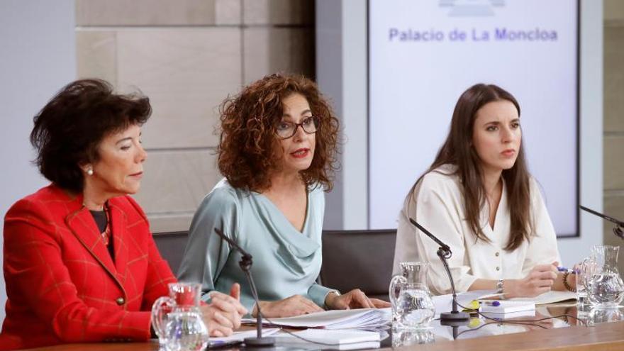 María Jesús Montero, Isabel Celaá e Irene Montero en la rueda de prensa tras el Consejo de Ministros.