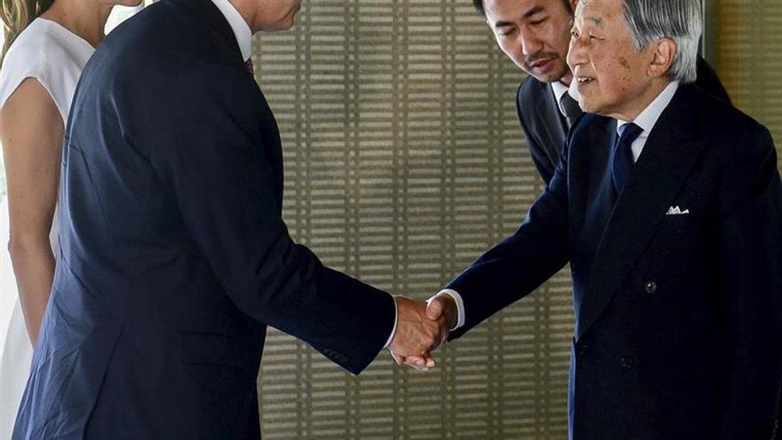 Akihito de Japón recibe a Mauricio Macri en el Palacio Imperial de Tokio