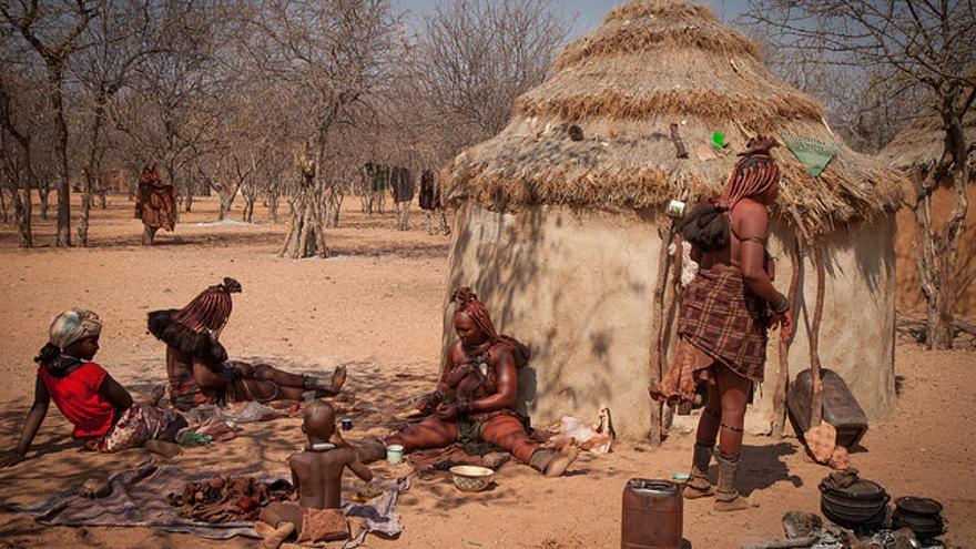 Aldea Himba en el norte de Namibia. Joanne Goldby