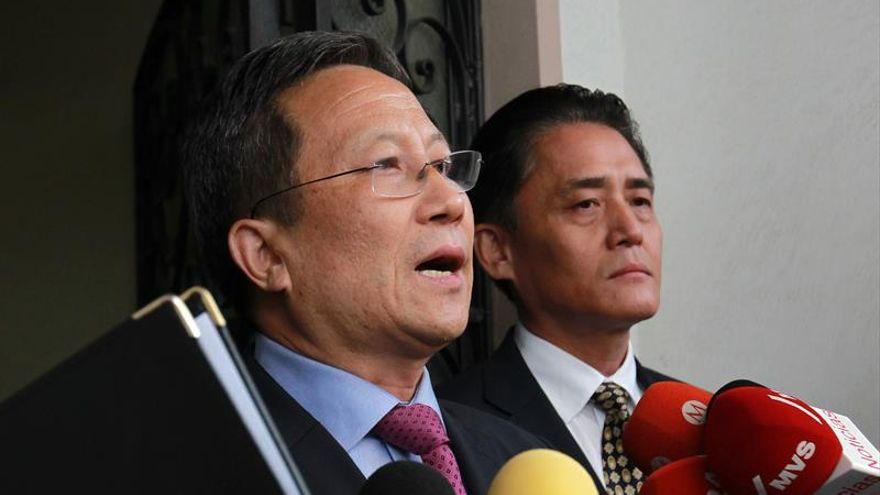 """Embajador norcoreano expulsado deplora """"medidas cobardes"""" de México"""