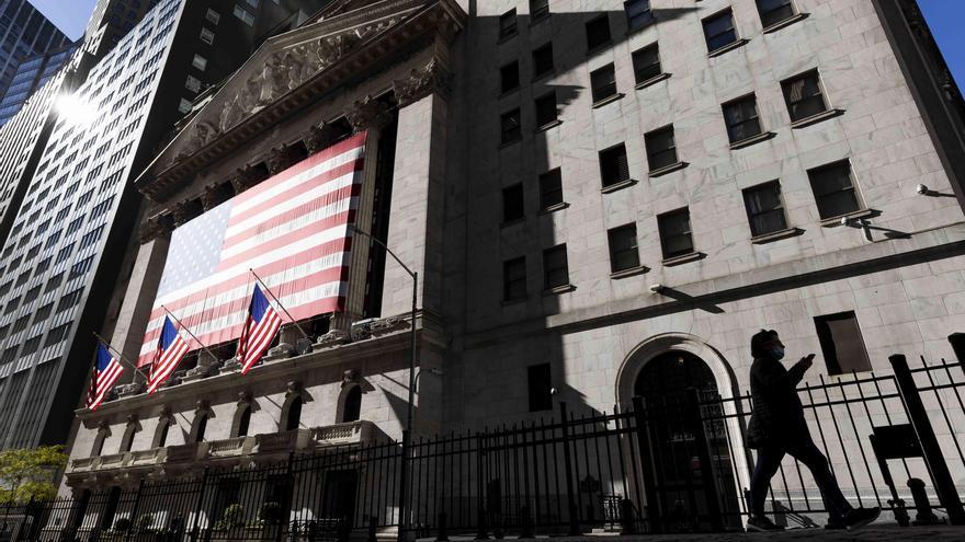 Wall Street abre mixto y el Dow Jones sube un 0,20 %, con tecnológicas a la baja