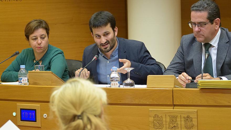 El conseller de Educación, Vicent Marzà, durante su comparecencia en las Corts