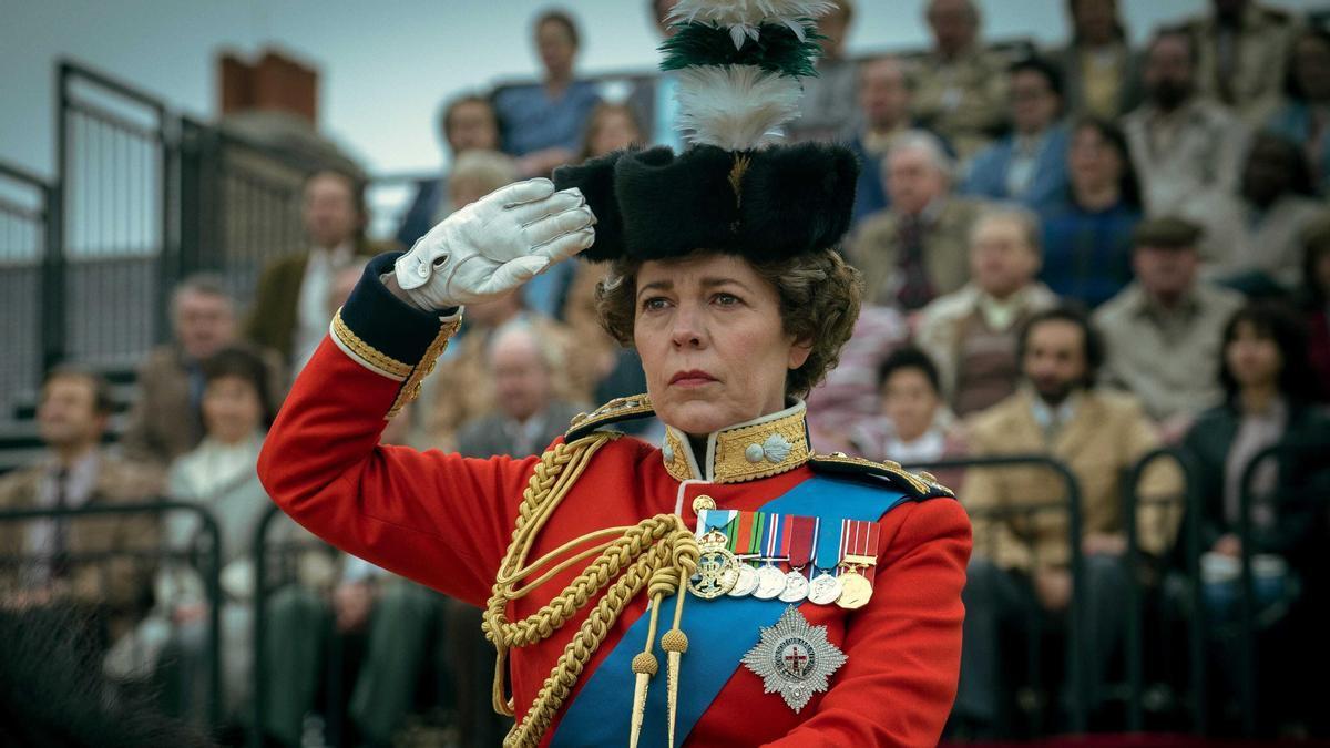 La reina Isabel II, en una escena de la temporada 4 de 'The Crown'