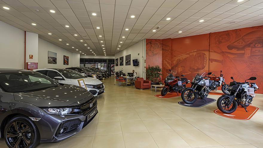 La renovada exposición de Honda cumple con los exigentes estándares establecidos por la marca, donde la tecnología acompaña al cliente durante todo el proceso de compra.