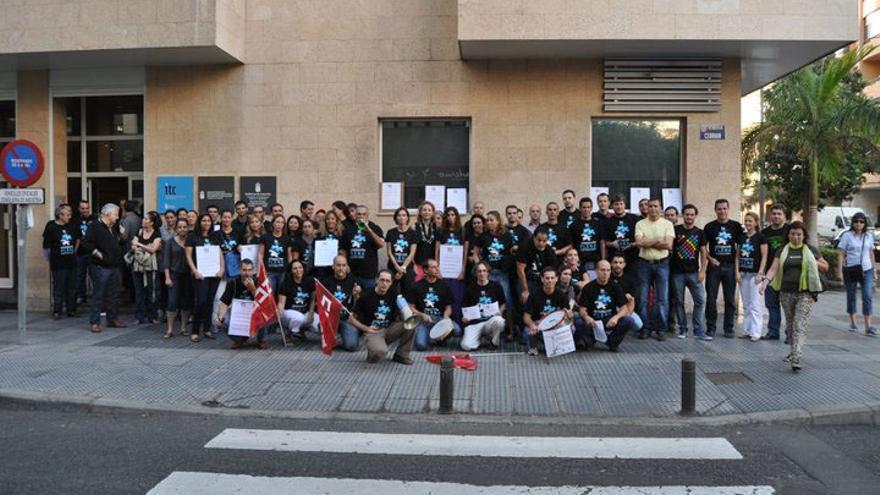 Imagen de la huelga de los trabajadores celebrada el 27 de octubre, extraida del blog del personal del ITC.