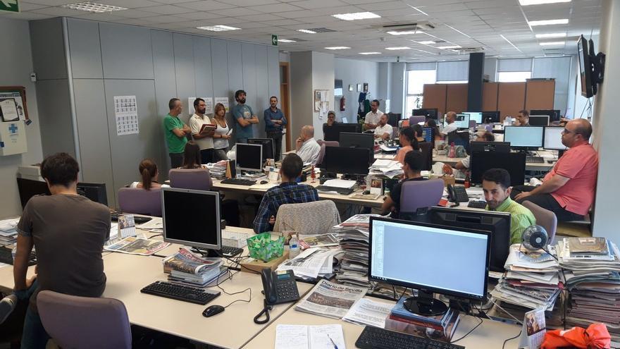 Asamblea de trabajadores el pasado 7 de septiembre en la redacción de El Correo