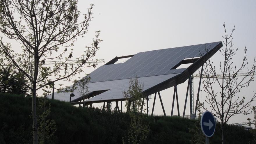 """(Ampl.) El Gobierno aprueba el real decreto que regula el autoconsumo para """"impulsar las energías renovables"""""""