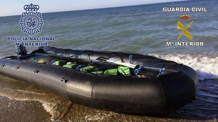 Interior prepara un decreto para prohibir la navegación de lanchas como la que ha matado a un menor en Algeciras