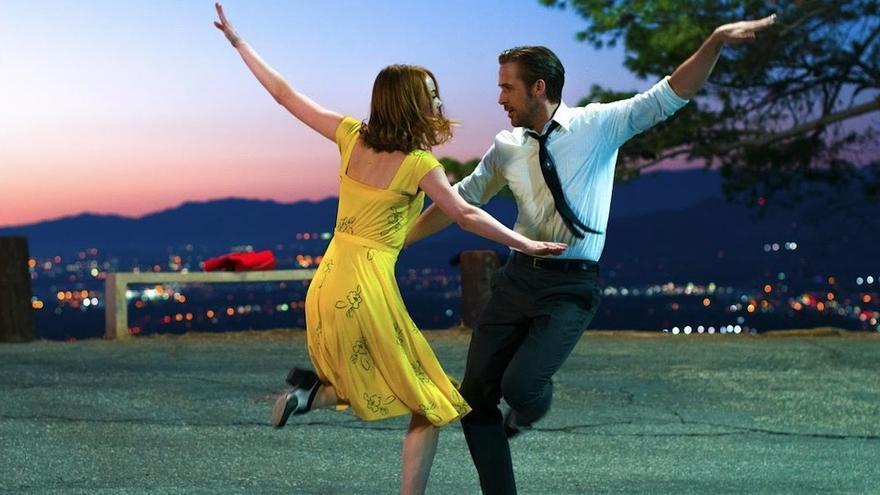 Los protagonistas de 'La La Land' de Damien Chazelle (que estrena este finde 'The Eddy') celebrando que su provincia ha pasado de fase de desescalada