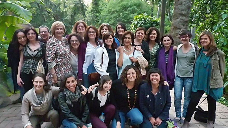 Representantes feministas de la candidatura 'A la valenciana', que forman Compromís, Podemos y Esquerra Unida