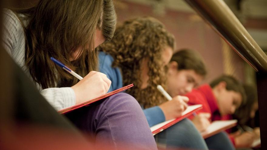 Los alumnos cántabros, los sextos mejores de España en Lectura, los séptimos en Matemáticas y los décimos en Ciencias