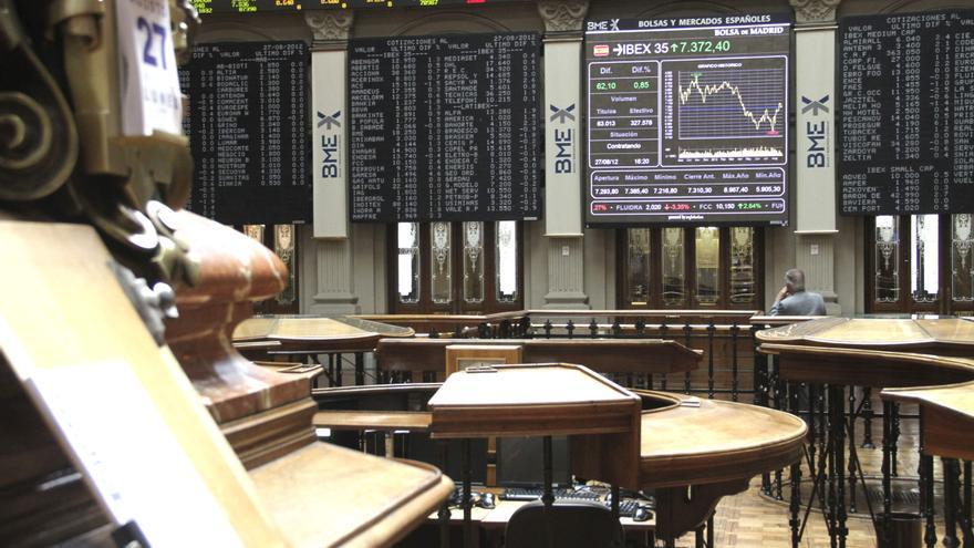 El IBEX 35 cae el 0,16 por ciento tras la apertura a la espera de la subasta de letras