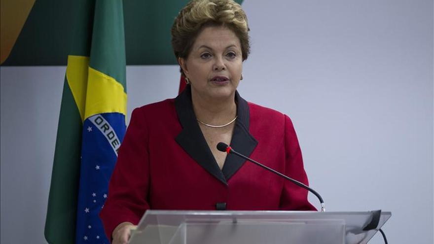 """Rousseff considera """"alarmante"""" el aumento del número de violaciones en Brasil"""