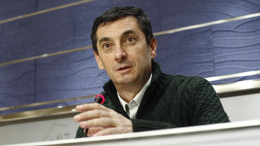 """IU exige a Rajoy que defienda los intereses de España en Cuba y ve """"ridículo"""" que se nos adelante Francia"""