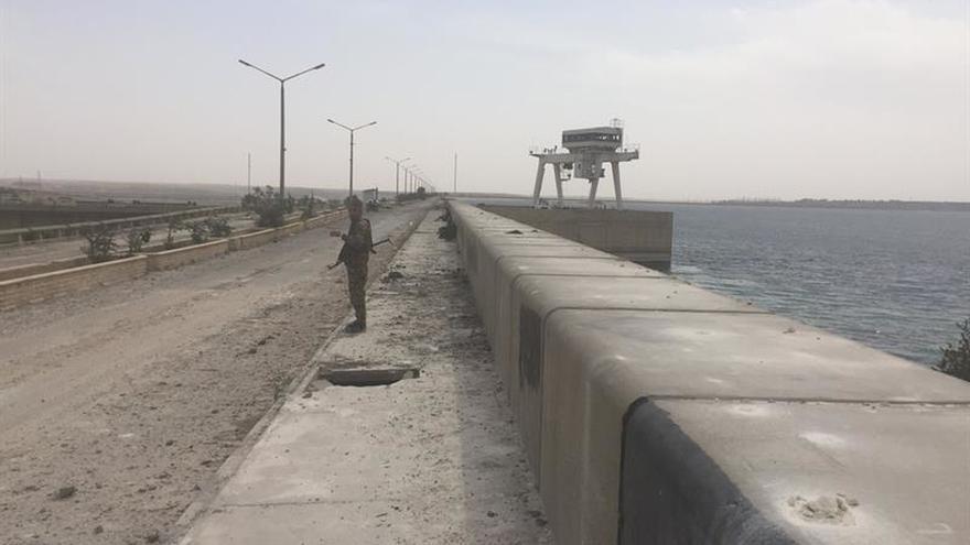 Fuerzas gubernamentales arrebatan al EI el control de 4 localidades en Siria