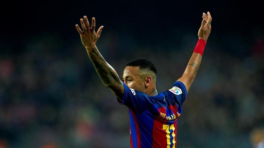 El juez propone juzgar a Neymar, su padres, Bartomeu, Rosell y el F.C. Barcelona