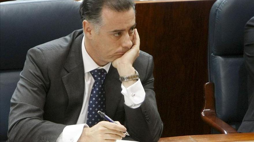 """El juez afirma que la red Gürtel efectuó """"cuantiosos pagos"""" a López Viejo"""