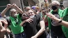 La movilización de los activistas logra paralizar el primer desahucio en Barcelona tras el confinamiento
