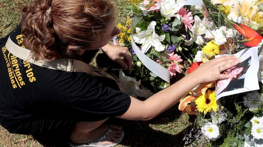 Las víctimas del Metro de Valencia inauguran un monumento en su último acto público