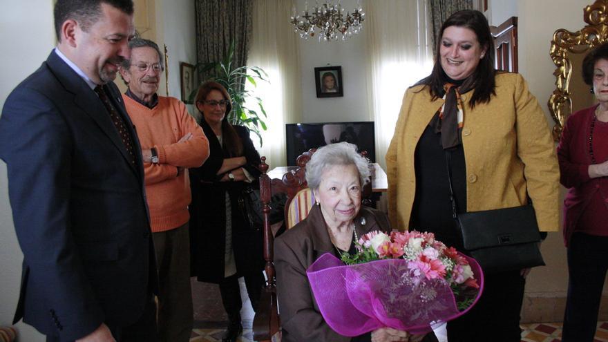 Pepita Sosa recibió este jueves un homenaje del Ayuntamiento.