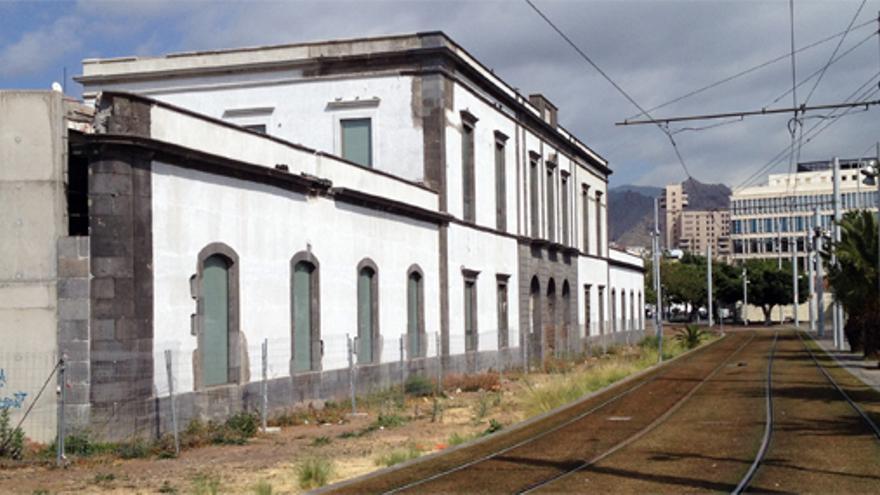 Fachada del cuartel San Carlos de Santa Cruz de Tenerife