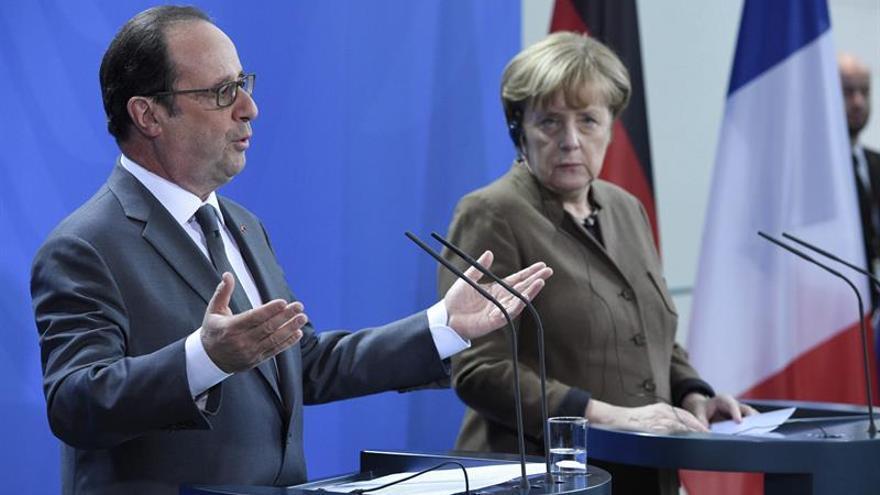 Hollande y Merkel someterán a la UE una iniciativa humanitaria para Alepo