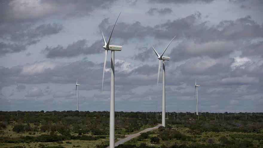 Más renovables e impuesto al CO2, claves en la nueva planificación energética