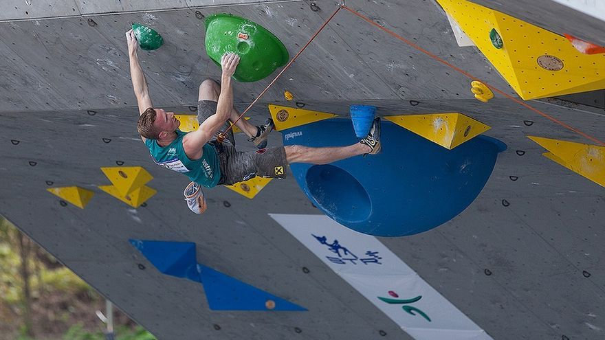 Jakob Schubert durante la prueba de Mokpo, Corea del Sur (© IFSC Climbing).