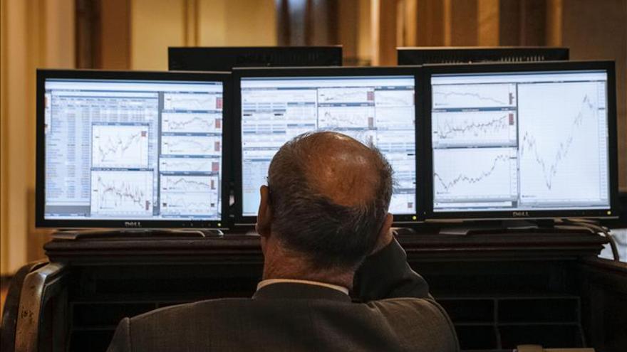 El IBEX abre sin tendencia y cae un 0,10 % por Repsol y la banca mediana