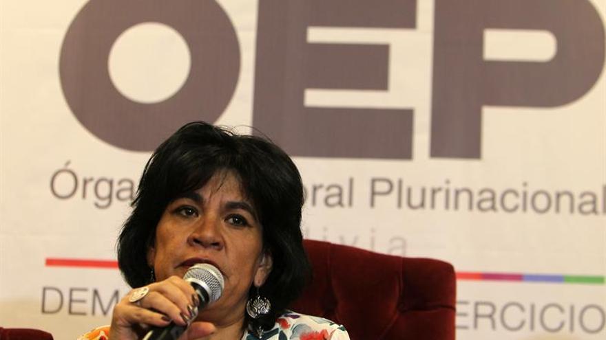 La presidenta del Órgano Electoral de Bolivia renuncia con las primarias en marcha