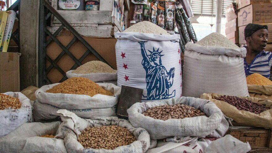 Alimentos en un mercado haitiano   FOTO: Iolanda Fresnillo