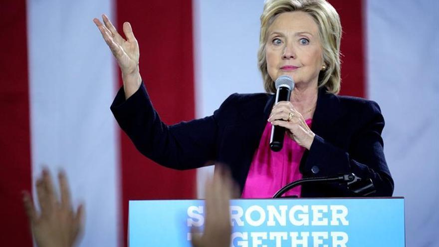 Clinton cancela su viaje de campaña a California tras el diagnóstico de una neumonía