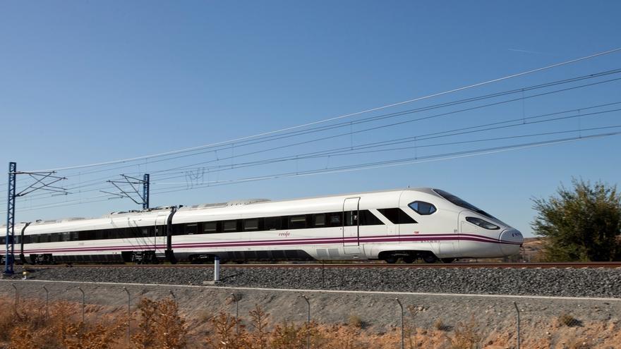Talgo, CAF, Alstom y Siemens se disputarán el 'macrocontrato' del AVE de Renfe de 2.600 millones