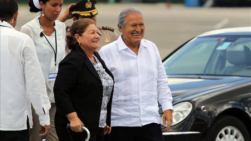 Sánchez Cerén aboga por la cooperación científica entre El Salvador y Cuba