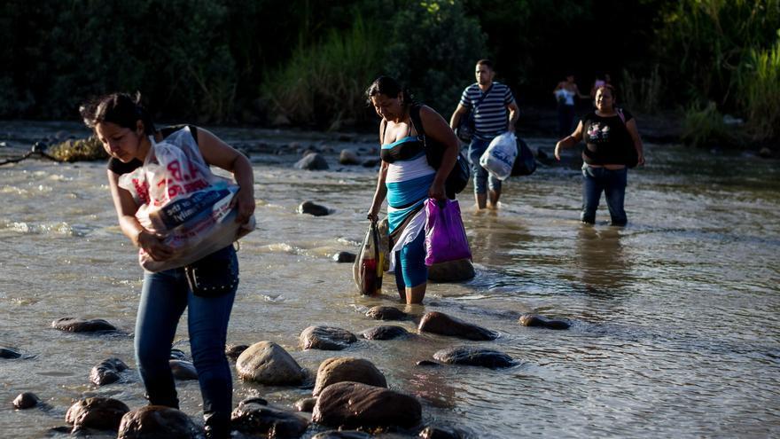 La OEA: cierre de fronteras lleva a venezolanos a huir por trochas o por el mar